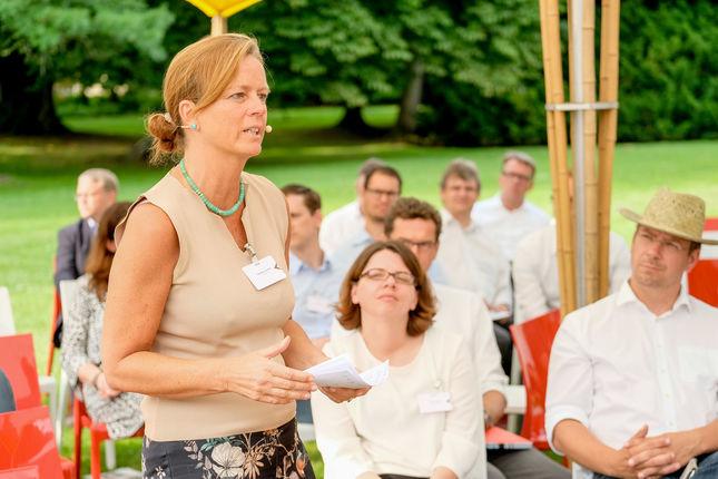 Die HR Chefin vom TüV Süd, Gabriele Sommer, über Mensch-Maschine Teams
