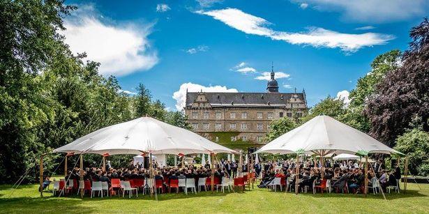Zukunftskongress 2016 Panelzelte im Schlosspark